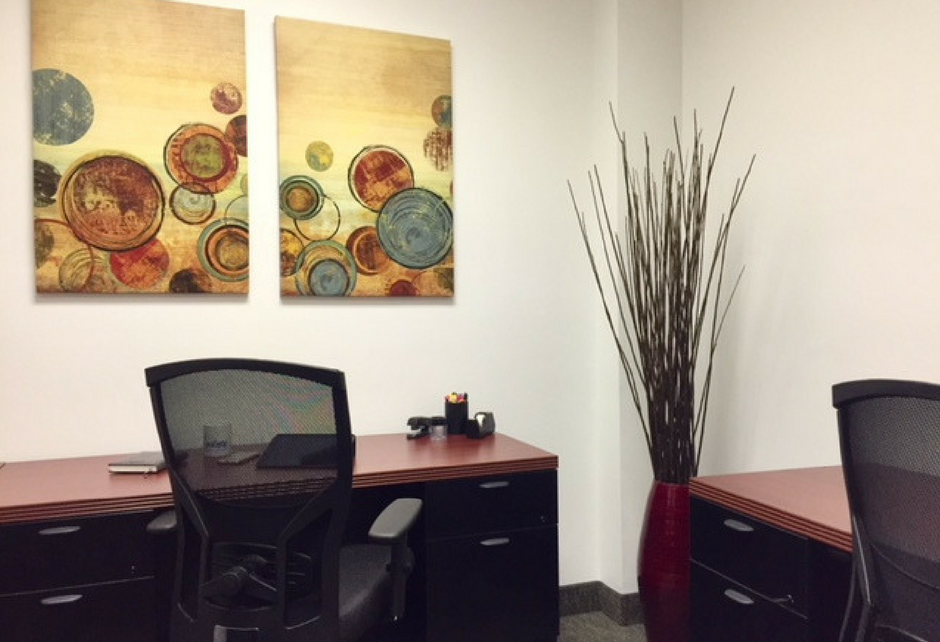 Dedicated Desk | Crown Center Executive Suites